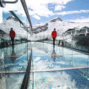 The Glacier Skywalk - View on the Overhang
