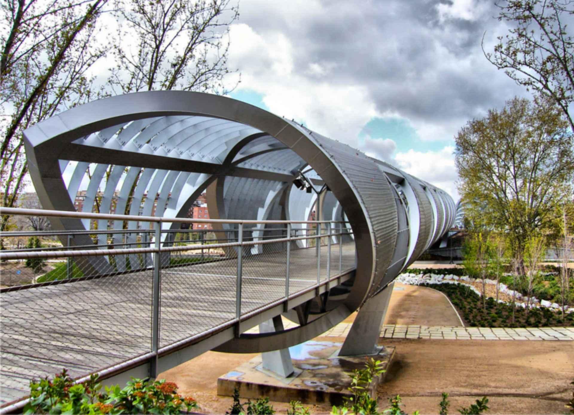 Arganzuela Footbridge by Day