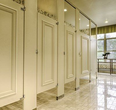 Dressing stalls for European bathroom stalls