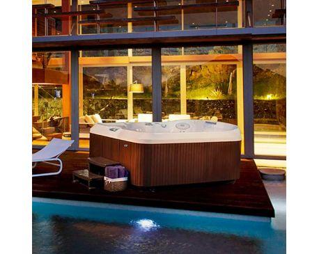 J 480 large designer hot tub with lounge seat for Designer hot tubs