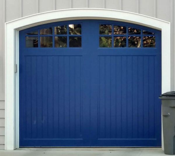 Benchmark carriage house garage door for Composite garage doors that look like wood