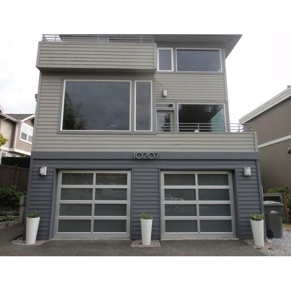 Modern Classic™ Garage Door