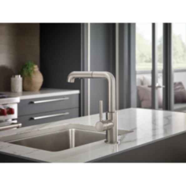 Solna® Single Handle Pull-Out Kitchen Faucet 63220LF