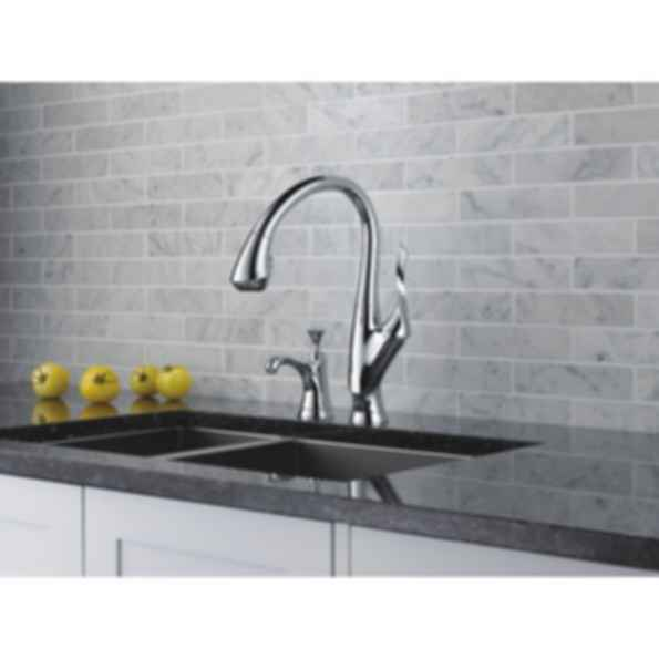 Belo® Single Handle Pull-Down Kitchen Faucet 63052LF