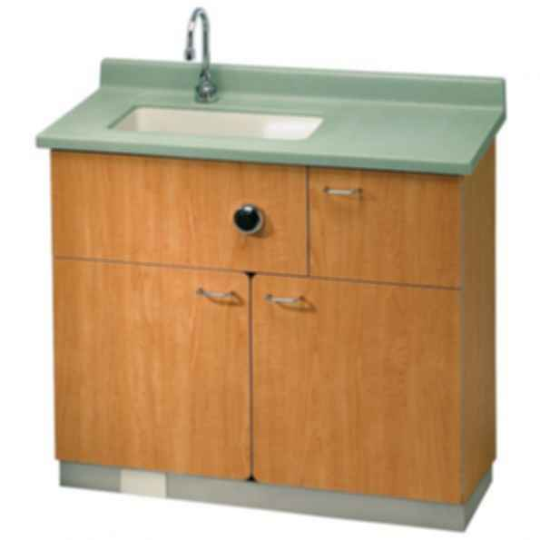 LC700 - Lavatory, Swing Out Water Closet Comby